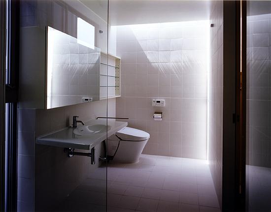 片瀬山の家 浴室