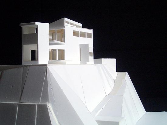 片瀬山の家 南南東側外観(模型)