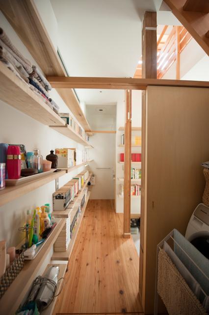 矢来の家 1階廊下