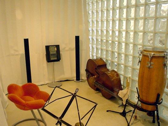 L-B house 音楽室内部