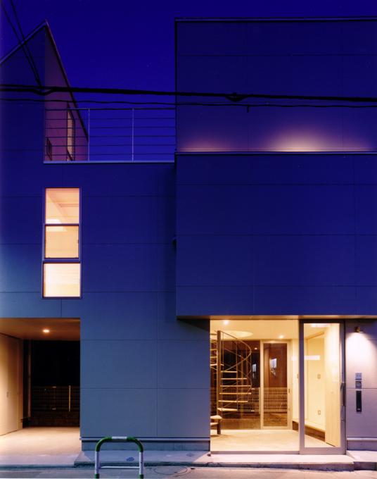 沿道の家 夜景