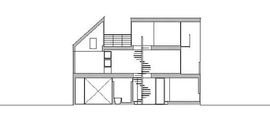 沿道の家 断面図