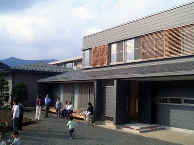 富士吉田の家 南西側外観(部分)