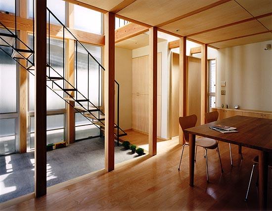 普通の家3 居間