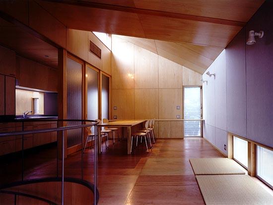 土間のある家 板間(2階)