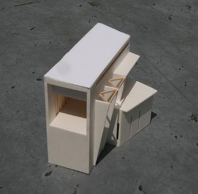 沿線の家 模型写真(西面)
