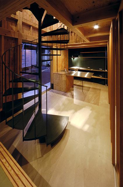 沿線の家 1階