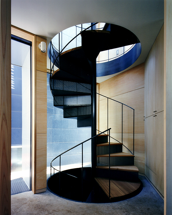 公園下の家 階段室