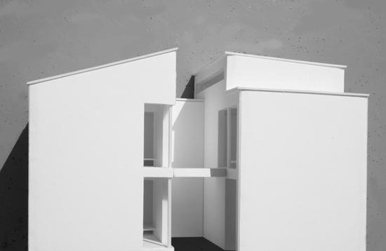 LOP 模型写真(西側立面)