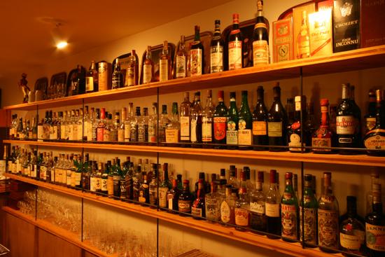 Bar Itohya ボトル棚