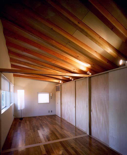 鵠沼の家 2階寝室