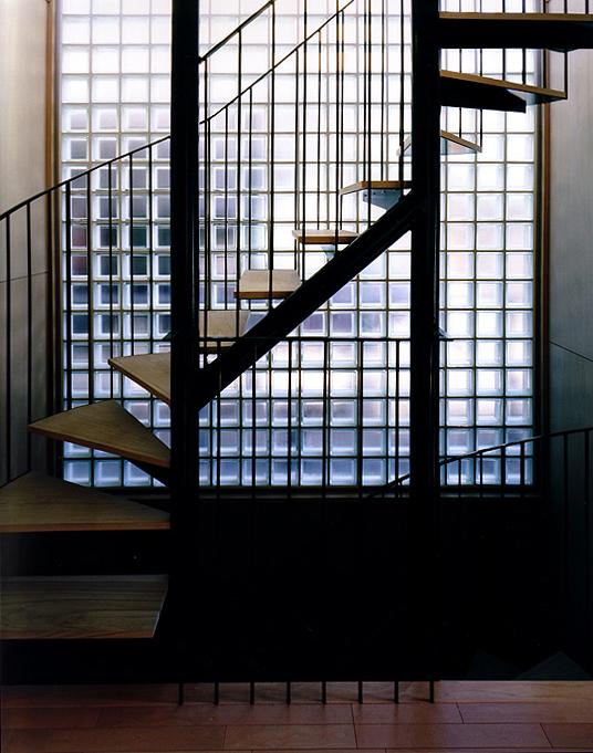 PARALLEL HOUSE 階段