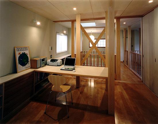 宗吾参道の家 2階個室より和室方向を見る