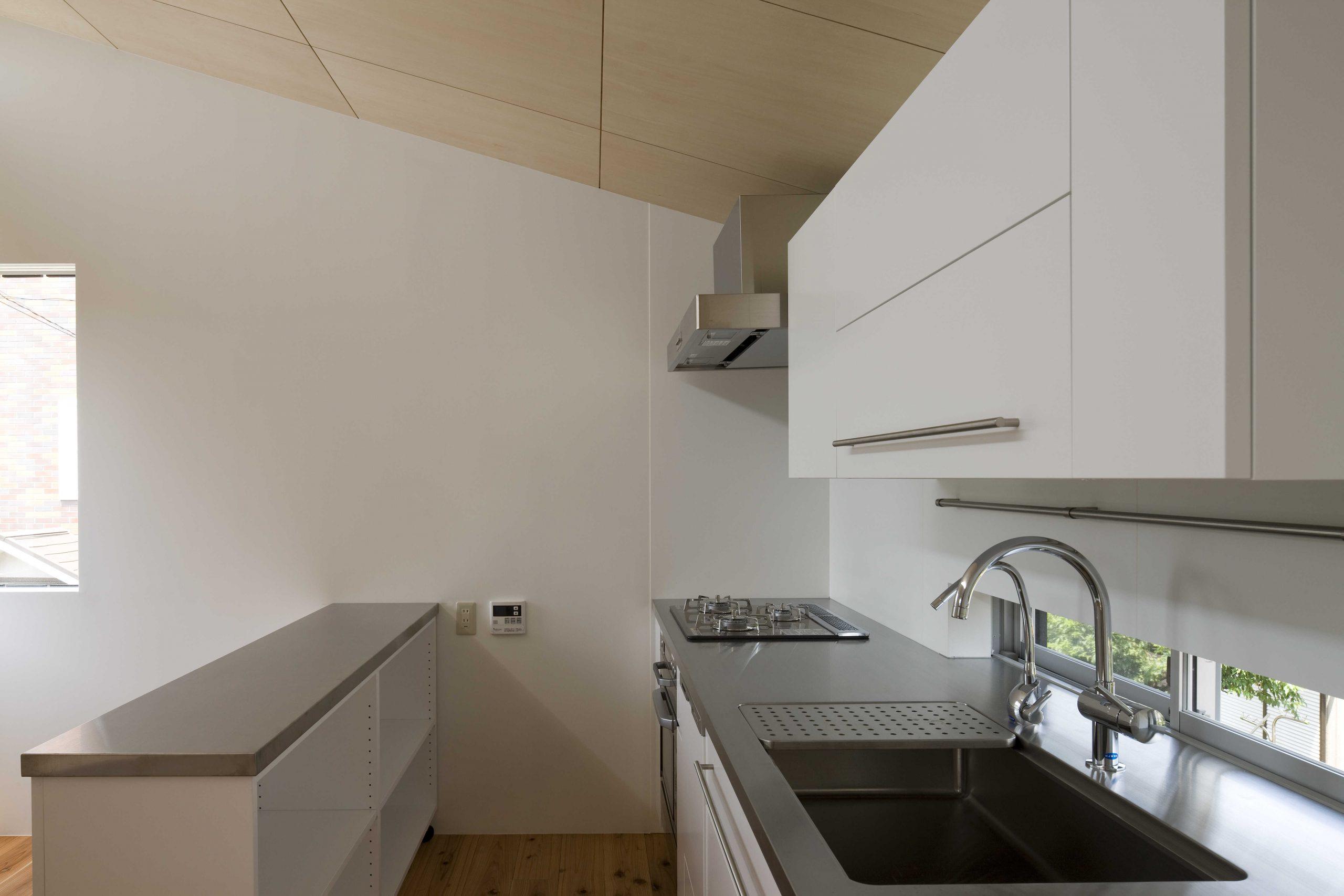 通り土間の家・キッチン02