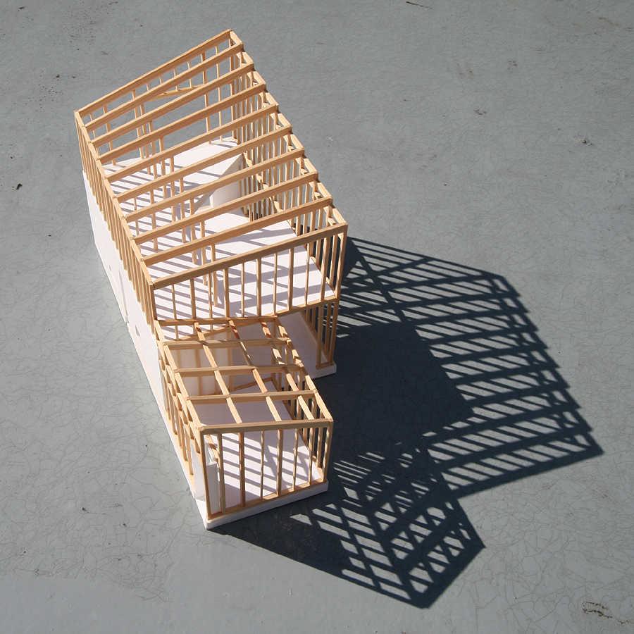日野の家軸組模型02