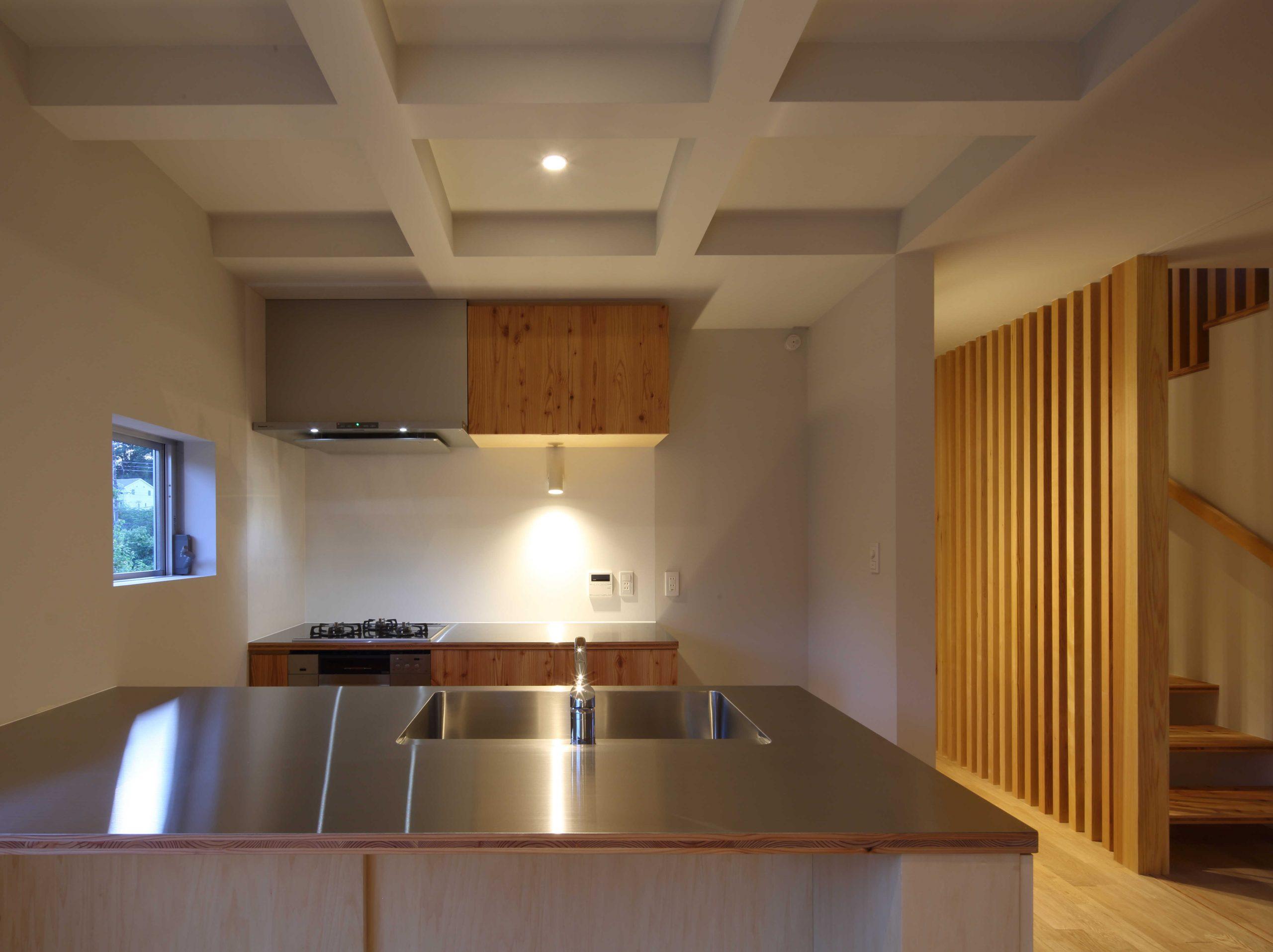 若葉台の家キッチン01