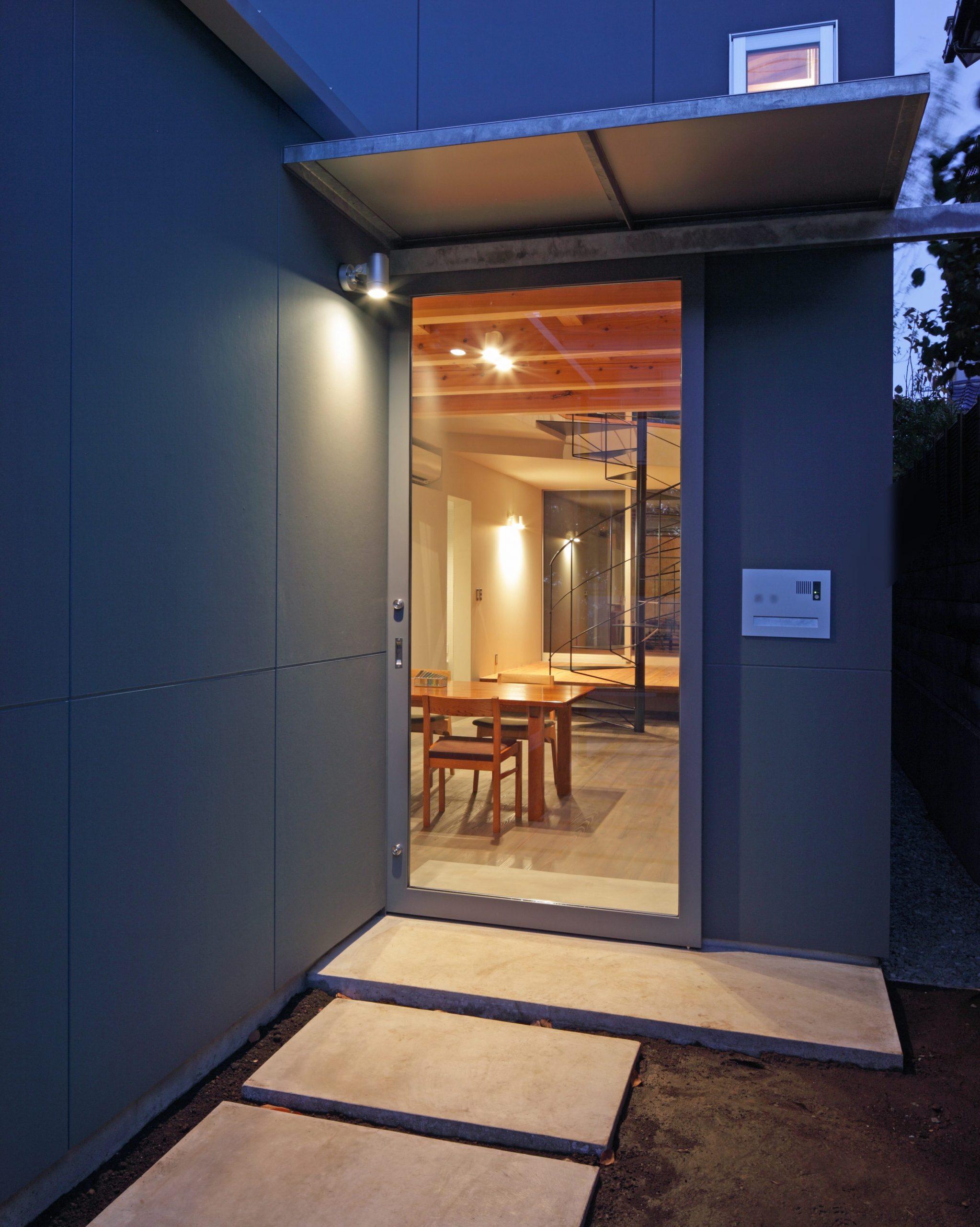 日野の家玄関